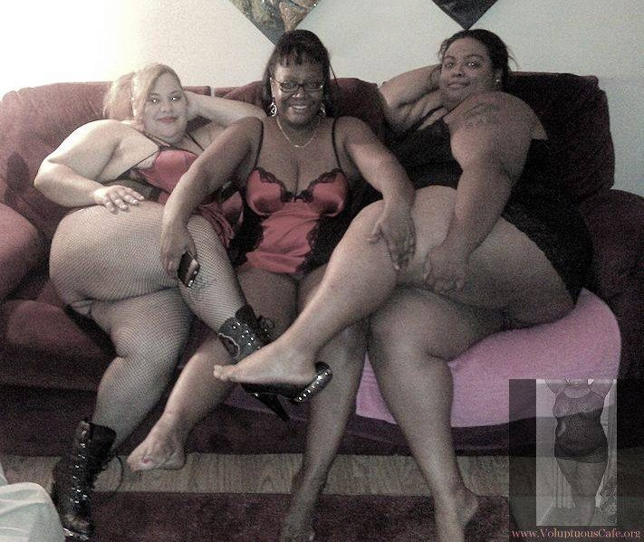 Sexy Black Teen Threesome